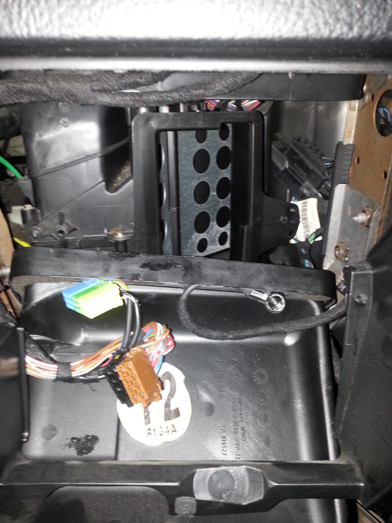 Maxresdefault as well Gm Blend Door Actuator Yukon Tahoe Serra further Remove Blend Door Actuator Wiring Conenctor additionally Maxresdefault likewise Hjvbwnsp Gt Mfzm P B Q. on 2003 chevy silverado blend door actuator location