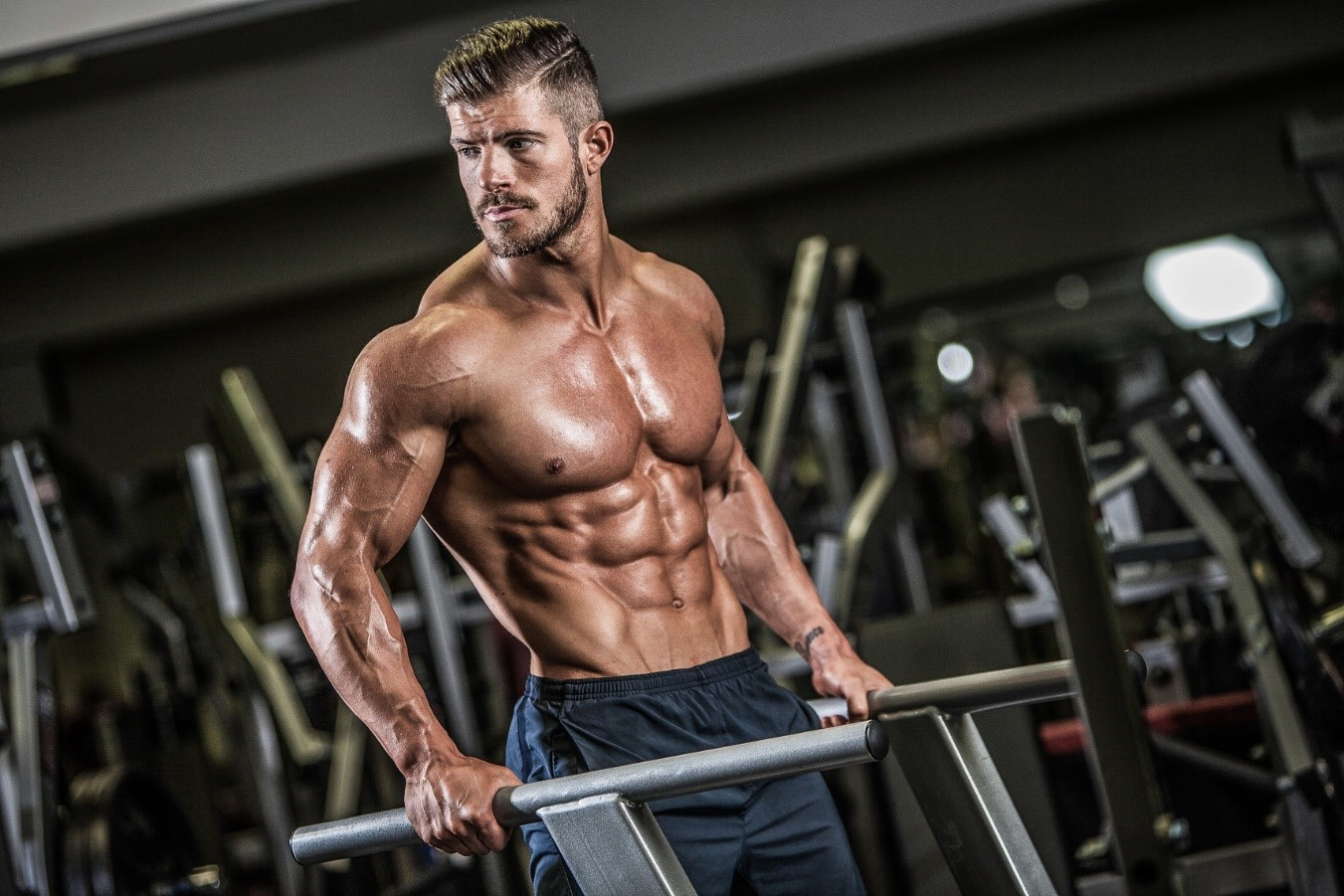 TOP 10 MUSCLE AND STRENGTH BUILDING MOVES : WEIGHT TRAINING