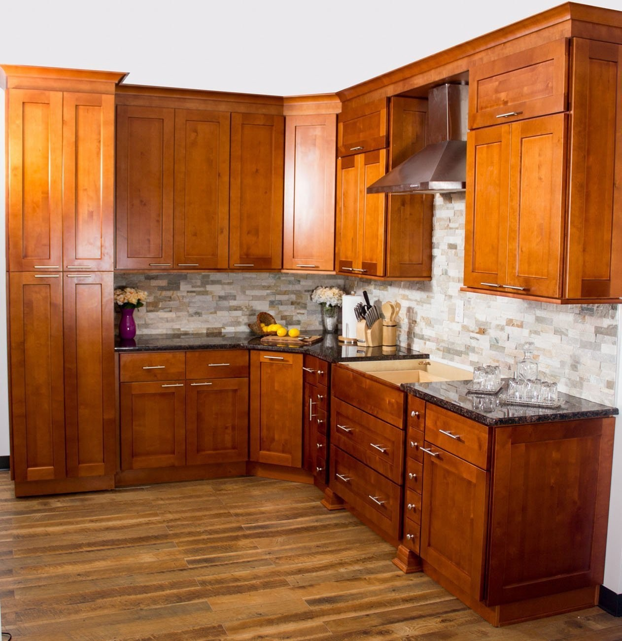 These Toffee Shaker Kitchen Cabinets Are Made Of Solid Wood With Panel Full Overlay Doors Modern Come Extension Soft Close