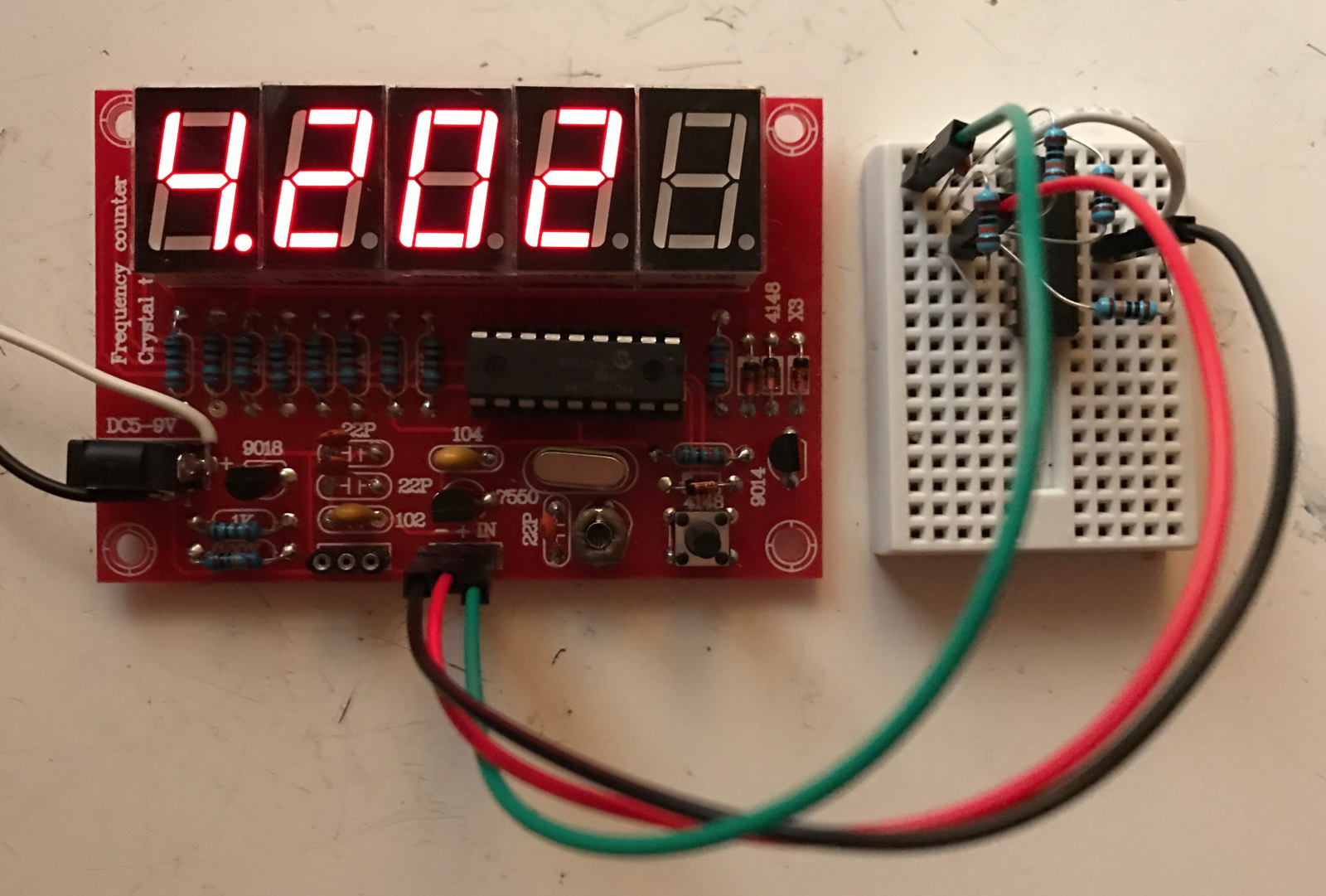 Crystal Oscillator Tester Frequency Counter Kit Review The Circuit Was Designed To Create A Low Cost Meter That Finally We Can Measure Is Powered By 5 V Which Directly Connects Through 3 Pin Header Opamp Square Wave