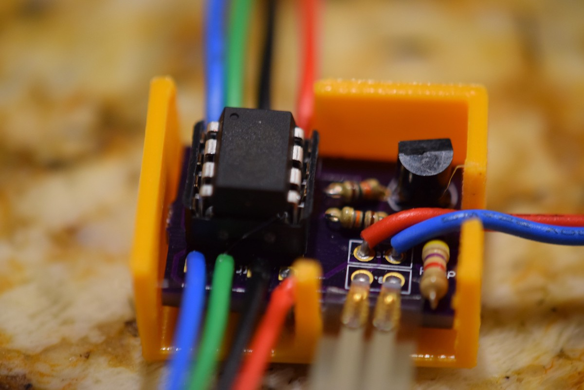 Making It Miniature Integrating The Attiny85 In Your Arduino Project What Is A Pcb Every Gadget And Electronics Enthusiast Should An Sensor Node Connected To I2c Bus 4 Total Wires