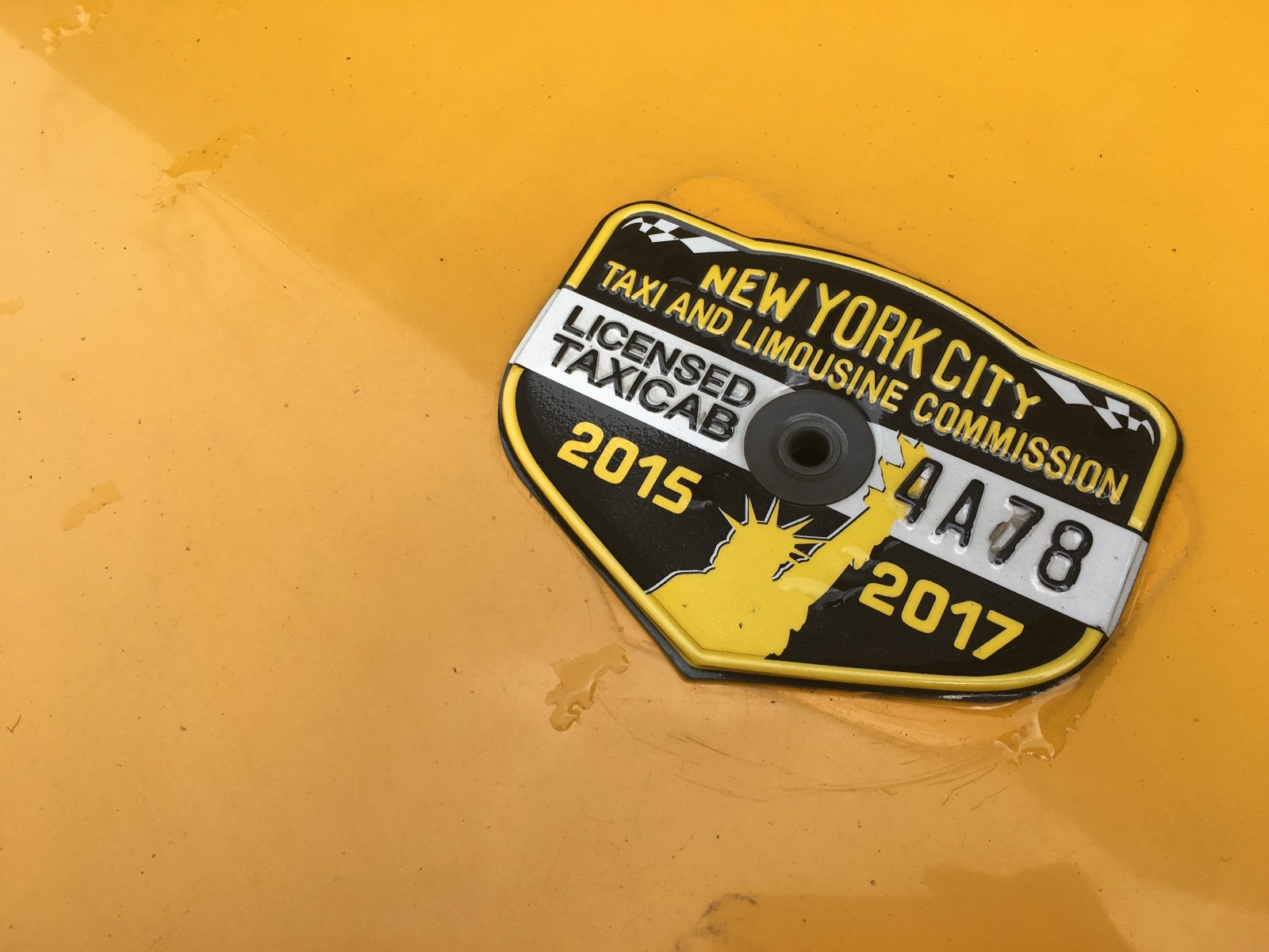 new bill takes first steps in raising taxi medallion prices. Black Bedroom Furniture Sets. Home Design Ideas