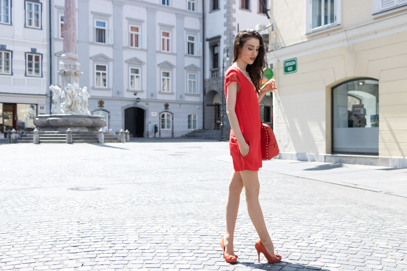 a96b549670c4 The Colour You Should Start Wearing Today. Go to the profile of Veronika  Lipar