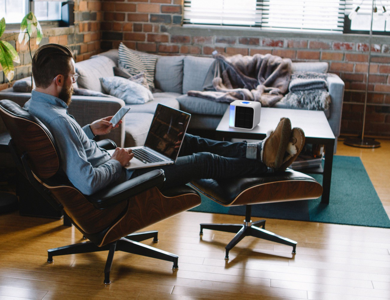 10 Must Have Office Gadgets Make Your Work Week More