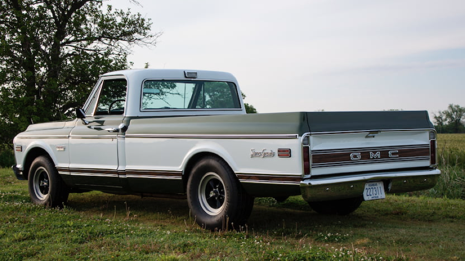 Student-Restored 1971 GMC Sierra Grande 1500 to Be Sold at Mecum\'s ...