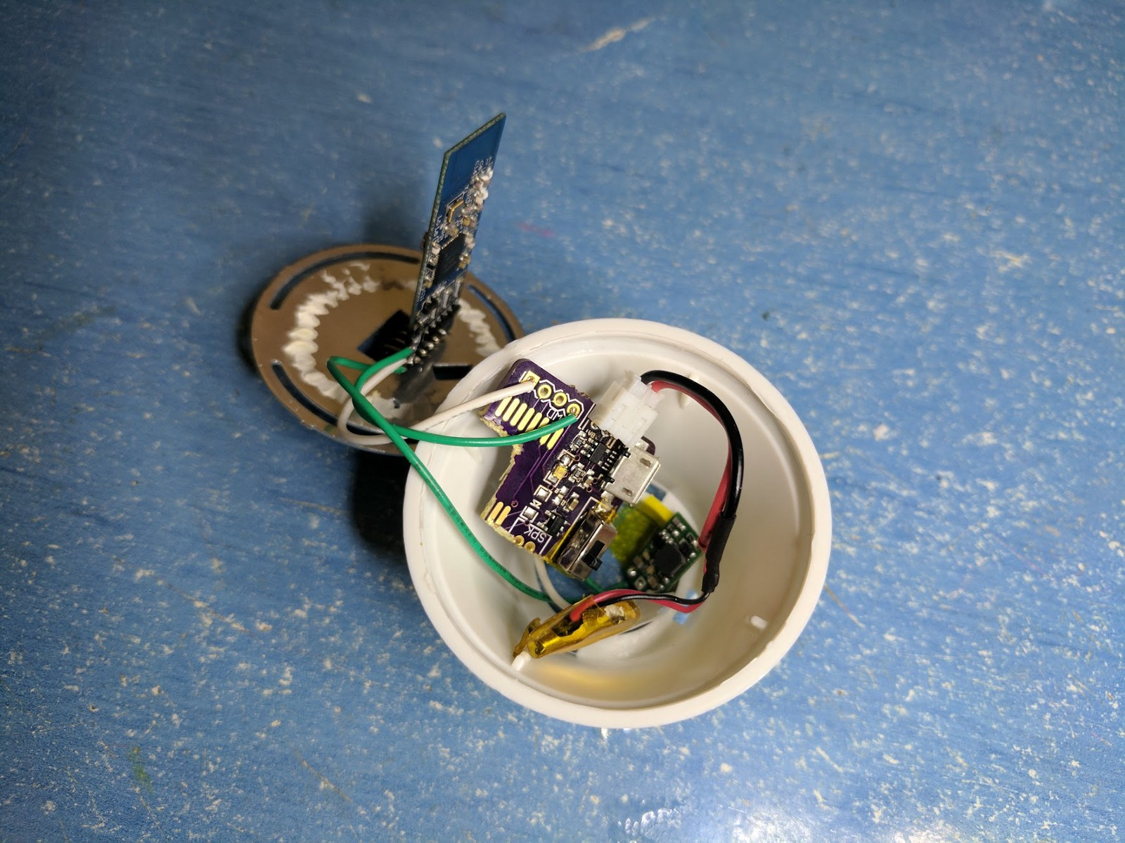 How To Make Your Very Own Wireless Extra Magic Smart Bulb Light A Small Lightbulb With Just One Battery And Wire Put Everything Together