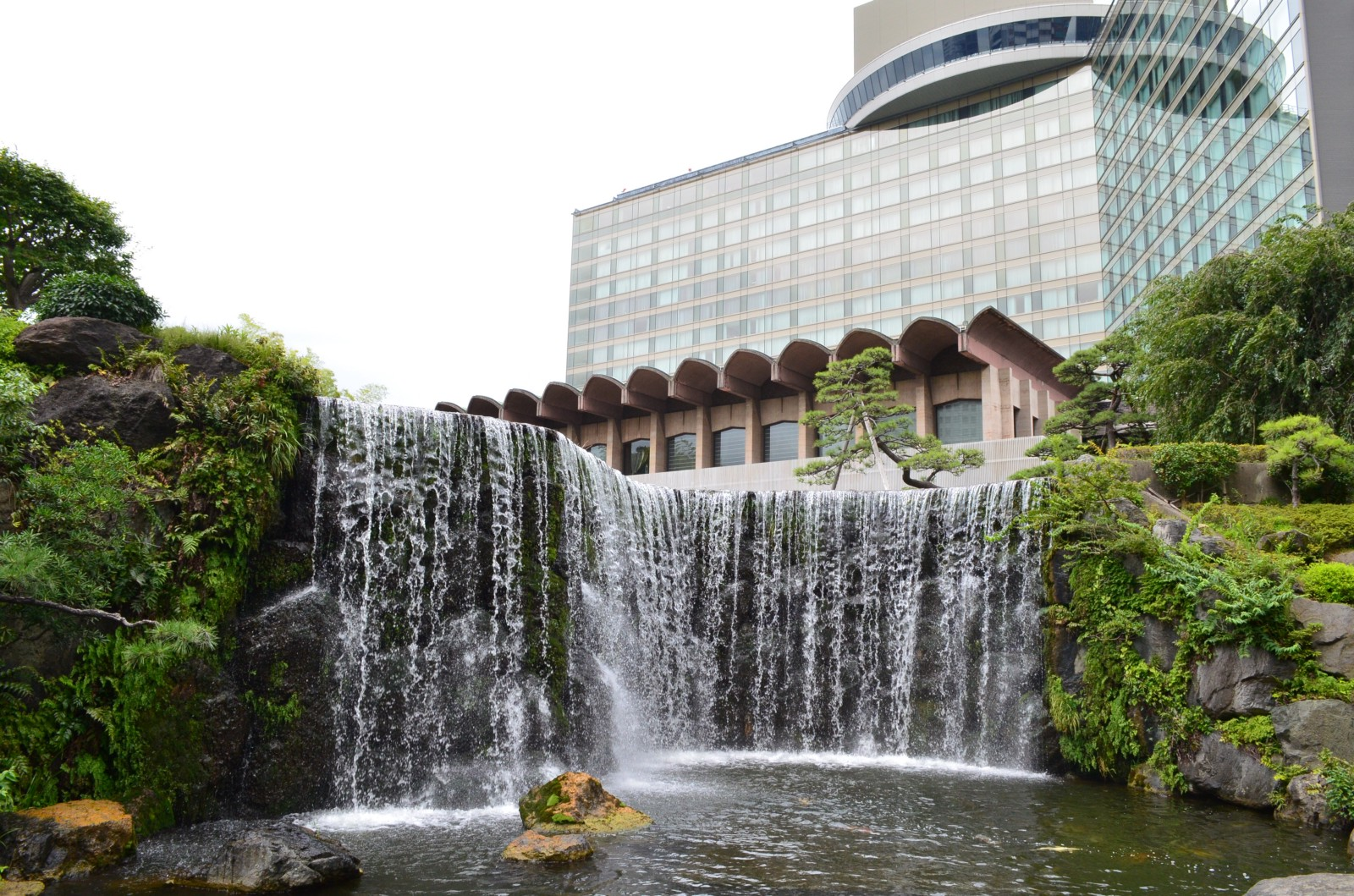 Visit The Beautiful Japanese Garden At Hotel New Otani Tokyo For FREE