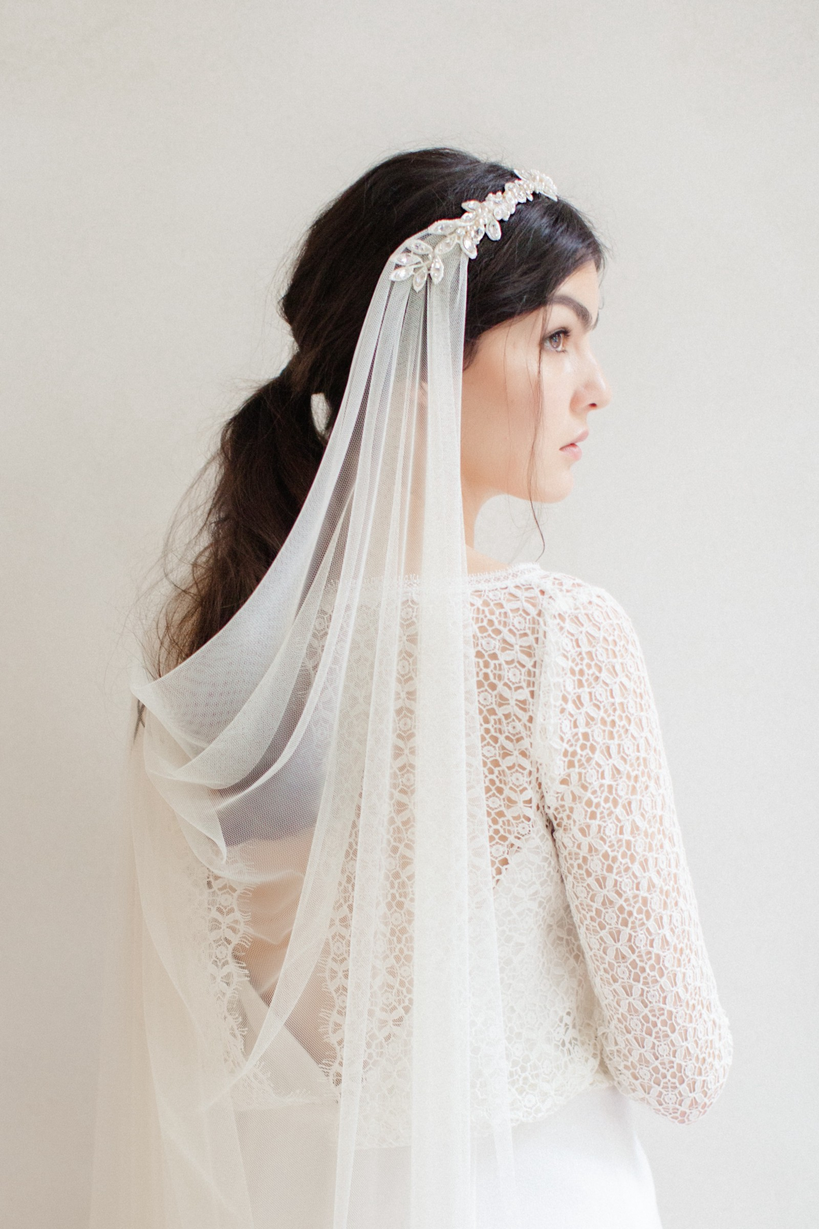 How To Find The Right Wedding Headpieces And Veils Nicolai Medium