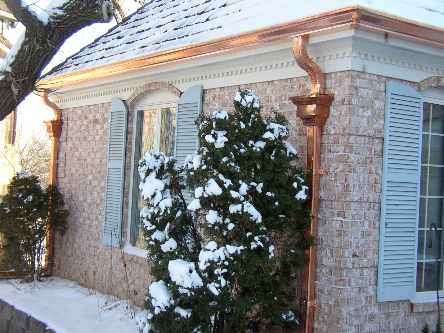 The benefits and drawbacks of copper gutters roselyn bette medium beautiful isnt it solutioingenieria Image collections