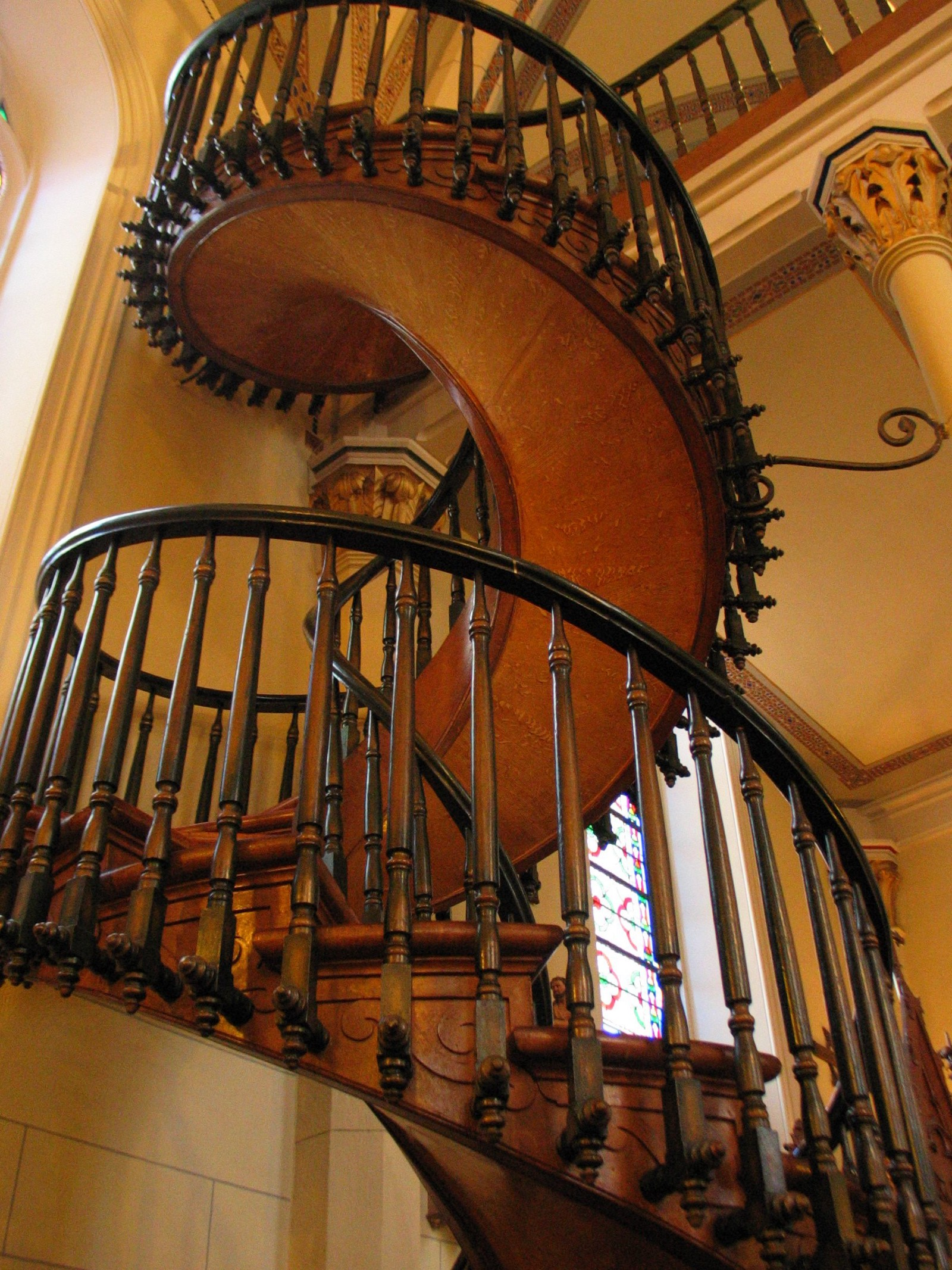 Charmant 5 Reasons Why You Should Opt For Wooden Spiral Staircase
