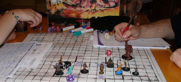 how to play dungeons and dragons by yourself