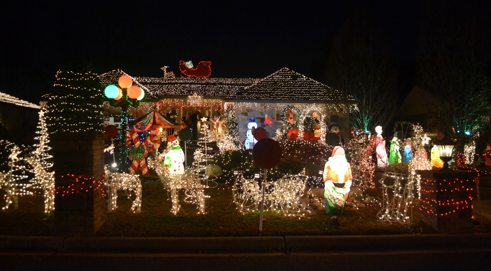merry and bright twenty years of christmas lights at mercer street home