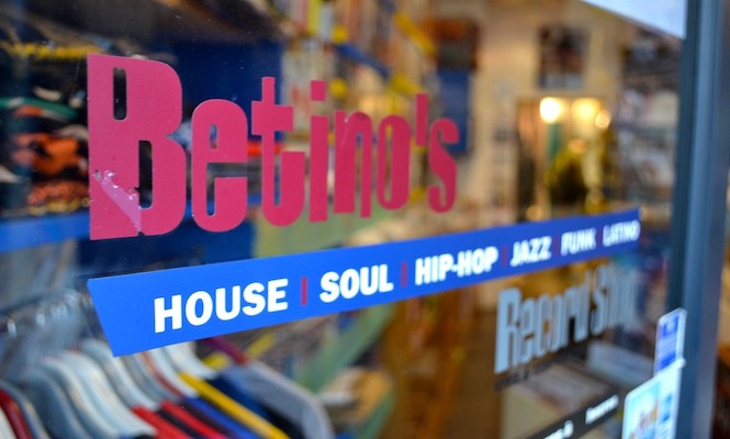 fb94b76528 The 100 best record shops in Europe – Miguel Ferreira – Medium