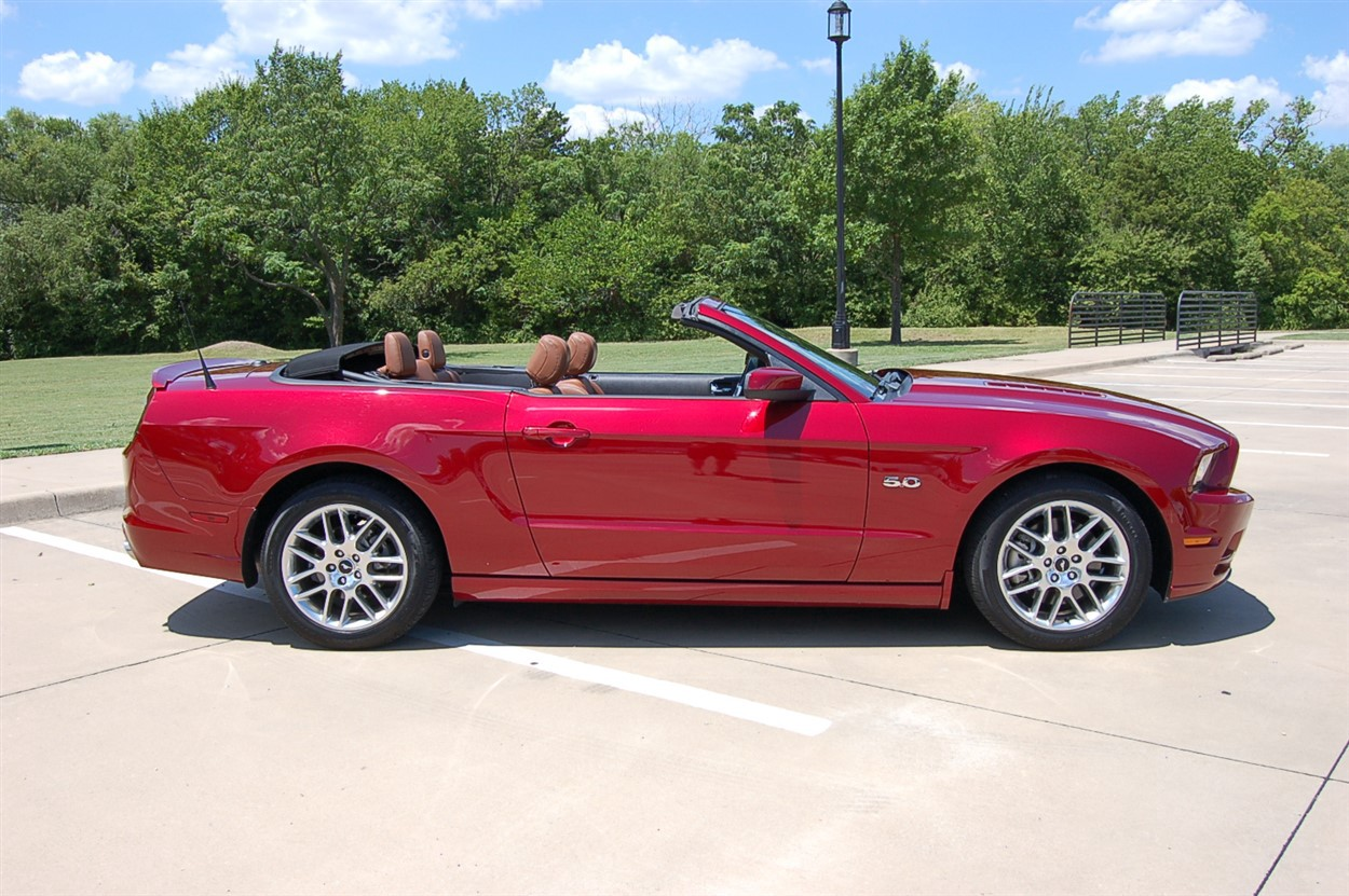 ford mustang gt convertible classic cars  texas
