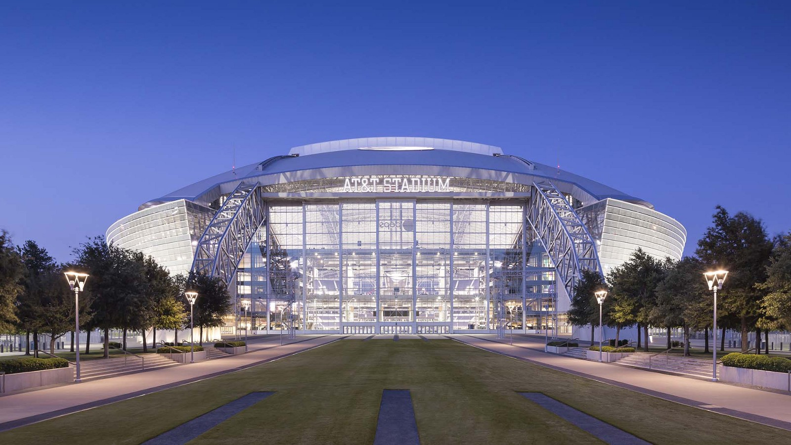 Arlington bucks nfl trend expected to pay off at t for Dining options at at t stadium