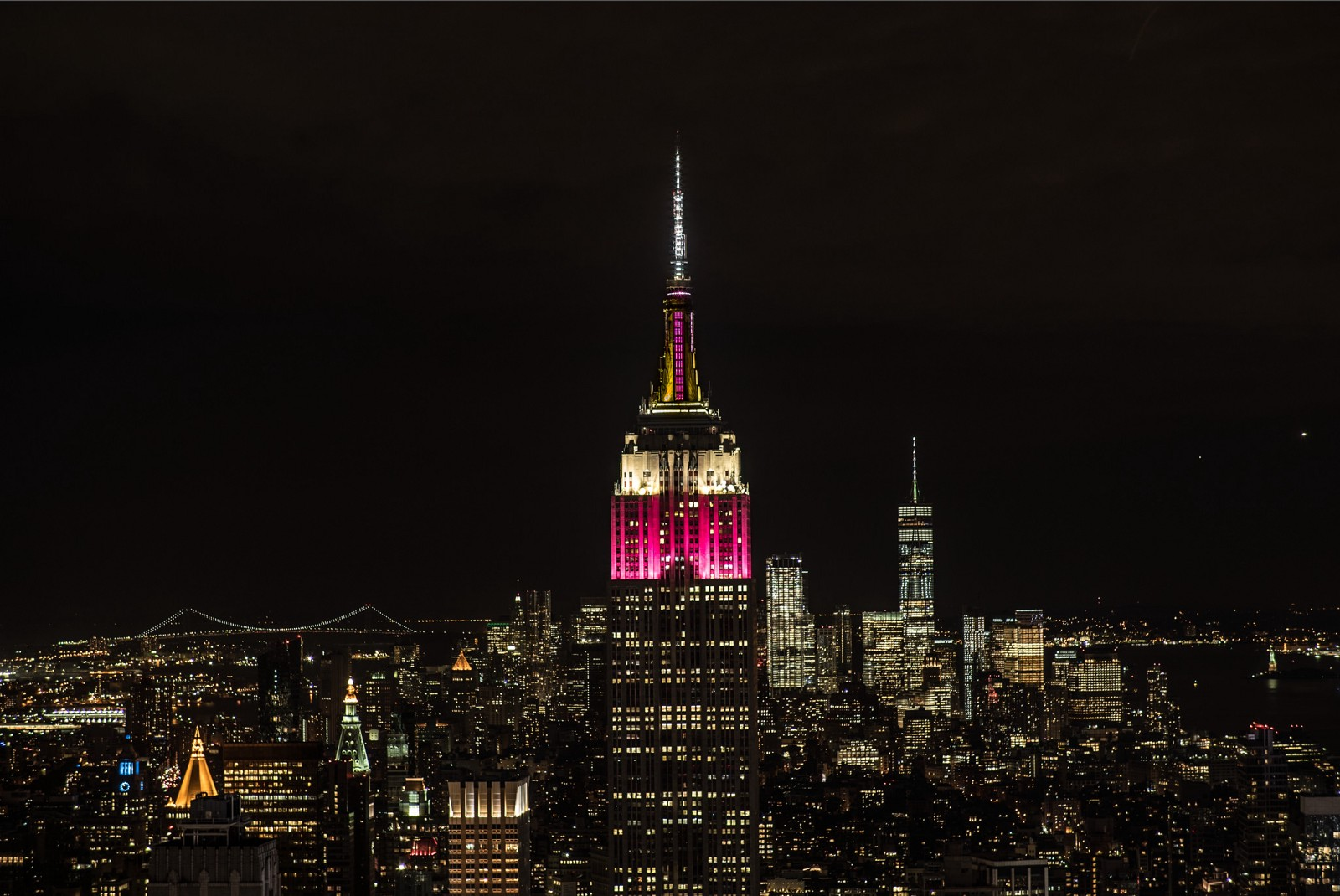 Empire State Building Lights Up In Qatar Airways Colors