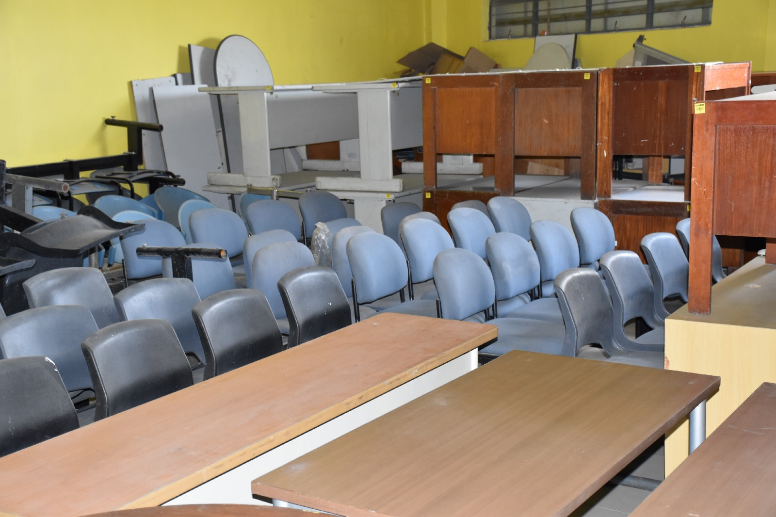 Used office furniture 4 sale in san fernando pampanga