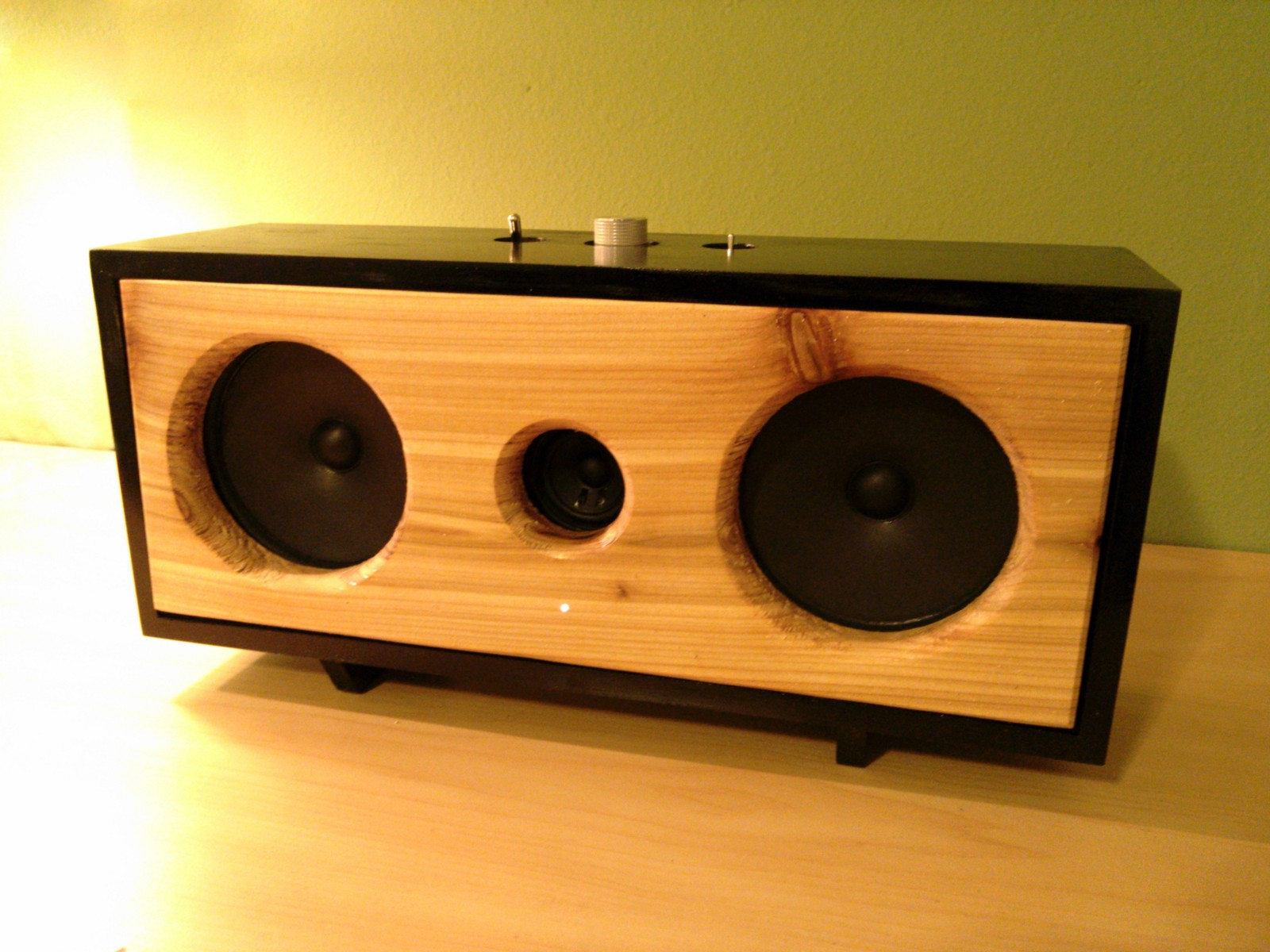 how to build a bluetooth speaker kevin thornbloom medium. Black Bedroom Furniture Sets. Home Design Ideas