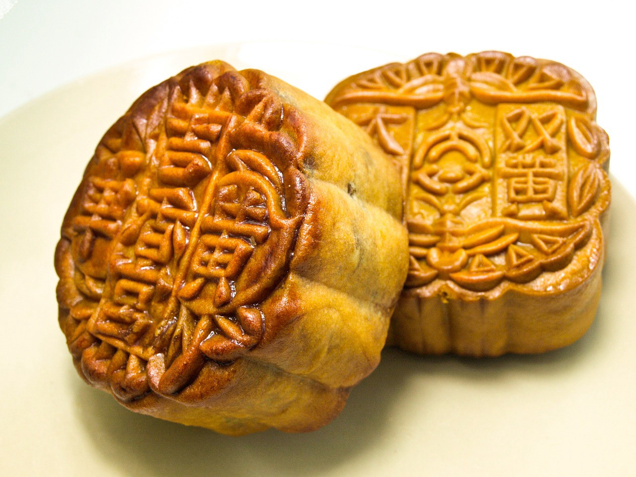 the moon cakes market in vietnam Vietnamsurprisecom is a blog about vietnamese food, travel in vietnam and vietnamese culture the vietnamese mooncake march 21, 2013 by jack in vietnamese cakes.