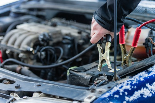 Does Jumping Battery Hurt Your Car