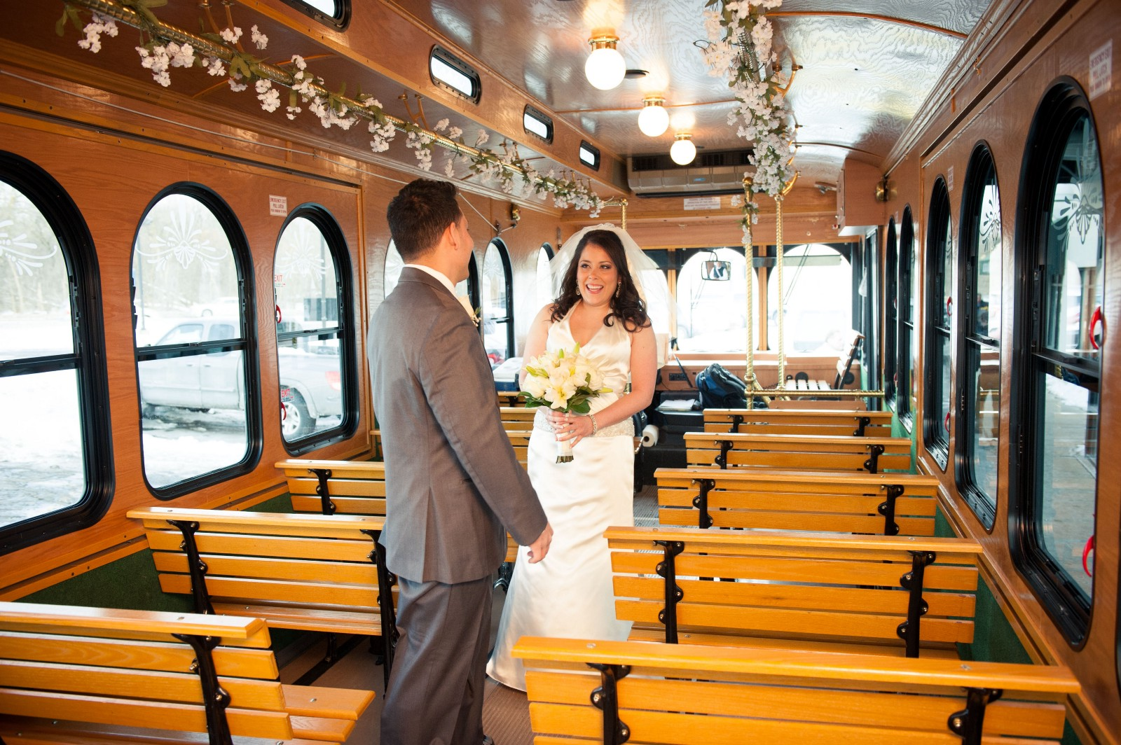 Why Choose a Bus Rental in Pittsburgh to Shuttle Wedding Guests