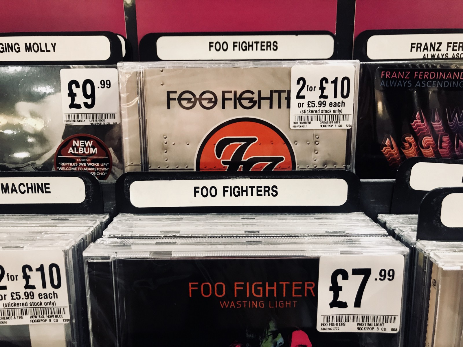 Following The Release Of Their Ninth Album Concrete And Gold Last Month Grungey Embodiment 90s Alt Rock Explosion That Is Foo Fighters Has