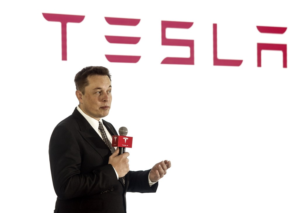 Elon Musk Discussed his Seriousness of Manufacturing Model 3 with Investors