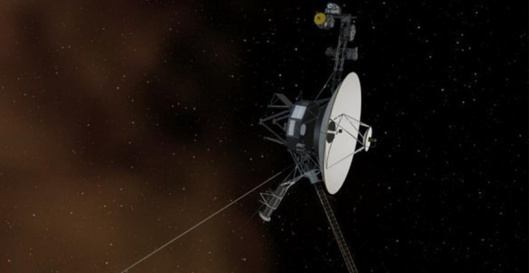 NASA RECEIVES RESPONSE FROM A SPACECRAFT 13 BILLION MILES AWAY (VIDEO)