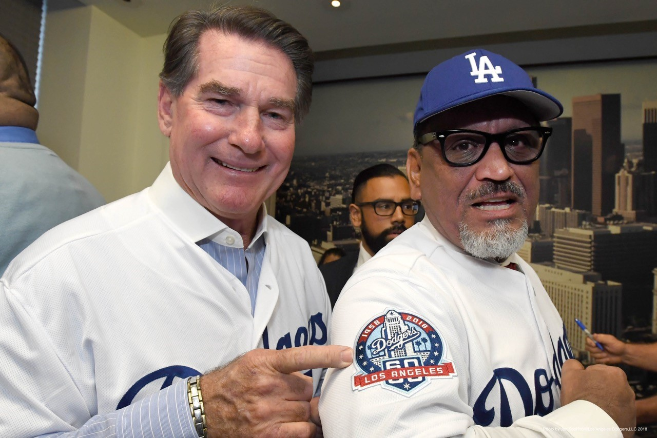 Steve Garvey unveils the 60th anniversary logo with Councilman Gil Cedillo  (Jon SooHoo Los Angeles Dodgers) 25b37846842