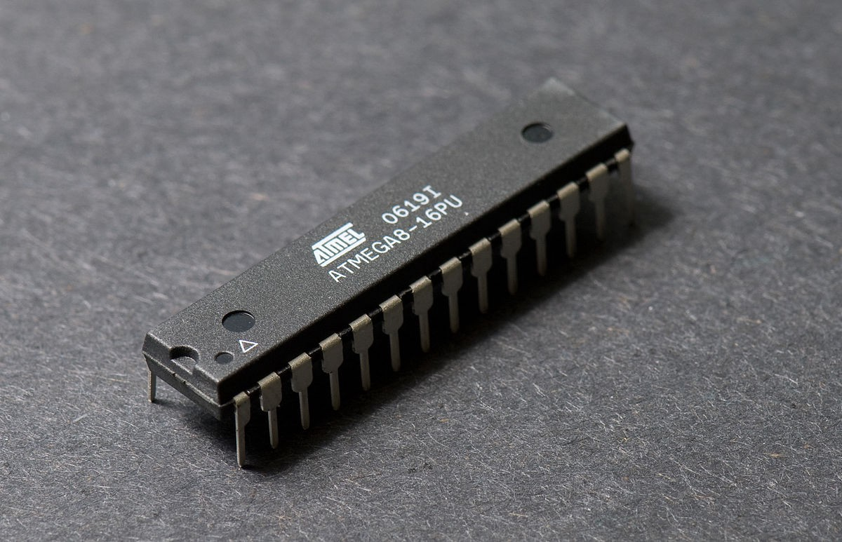 The Silent Master Microcontroller Introduction Andela Way Erasable Programmable Readonly Memory Integrated Circuits These In This Piece Of Silicon Is A Fully Factional Computer