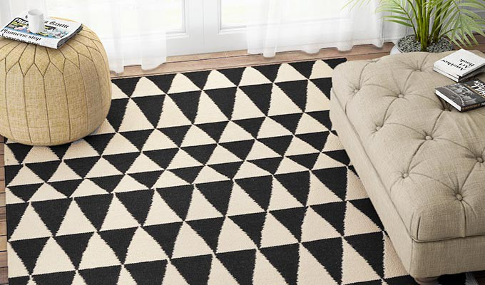 Decorative positioning of rugs: Interesting interior styling tips to ...