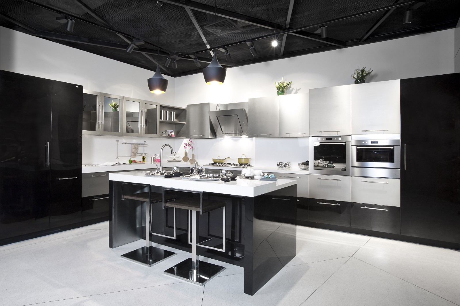 Top 6 reputed modular kitchen brands in india rajat for Steel modular kitchen designs