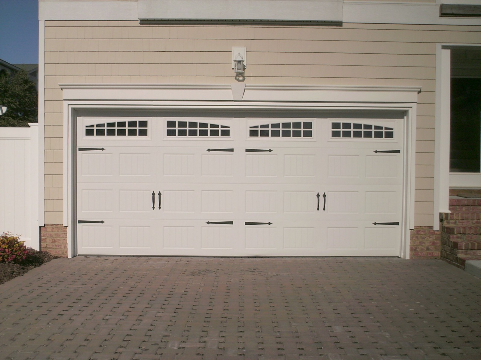 The Difference When Hiring A Professional Garage Door Repair Provider