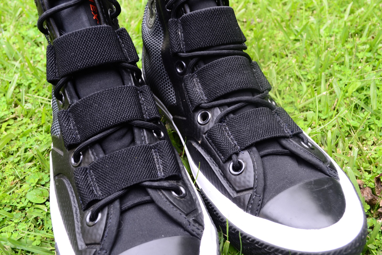 387e0b56c1e7 Pictured  Conventional lacing style vs. laces through bands lacing style.