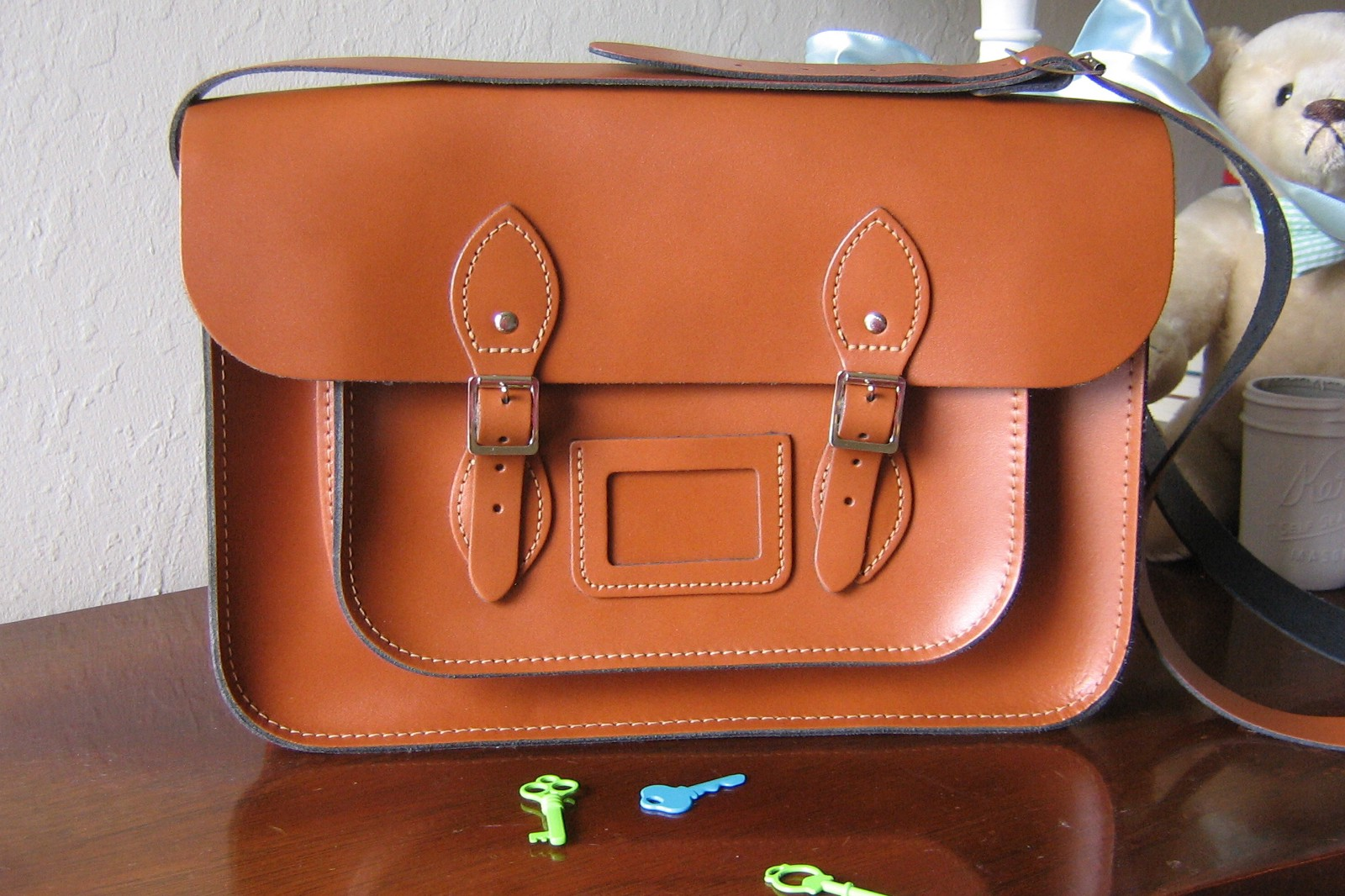 a0220fcb8 You could not ask for a more lovely satchel. Leather is pretty thick, but  flexible. Note: the color here ...