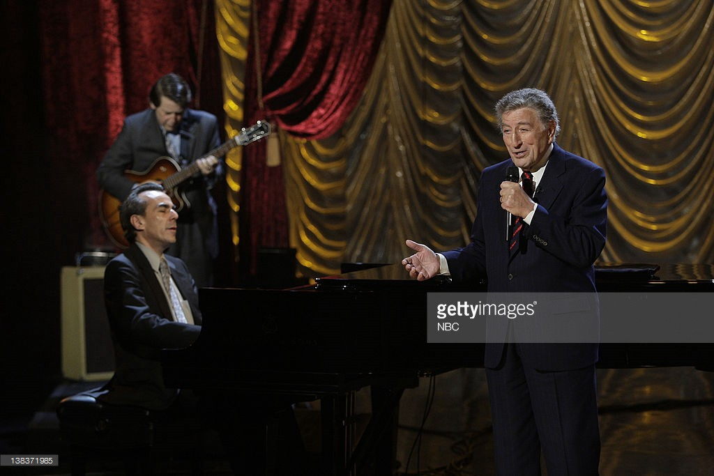 on december 11 2009 innovative jazz stylist tony bennett effectively tackles have yourself a merry little christmas on the tonight show with conan