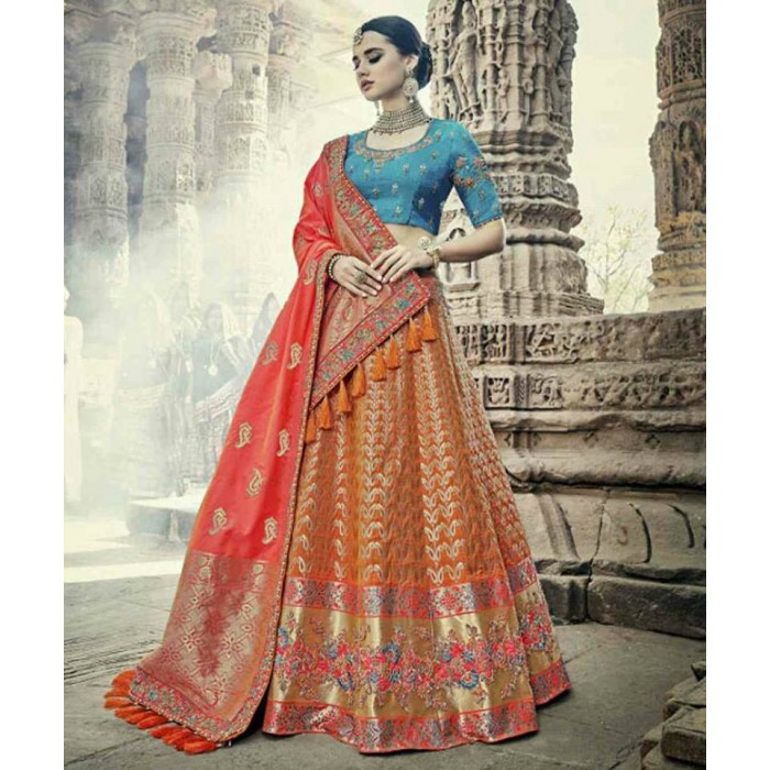 b56ddfa4361d ... Ethnic Women's Wear online store, offers a wide gathering of Indian  Designer Ethnic Women's Wear and a tremendous accumulation of Wedding  Lehenga-Choli ...