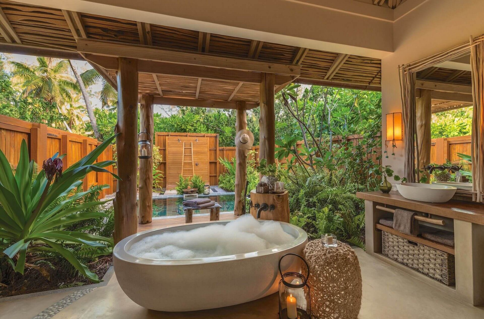 the best tropical outdoor bathroom for you - Outdoor Bathroom