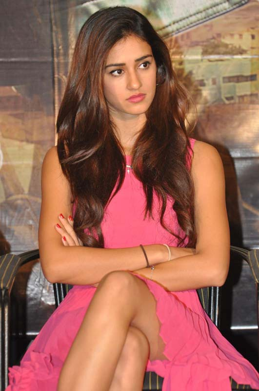 Latest Best Disha Patani Hd Photos Hot Wallpapers Pictures