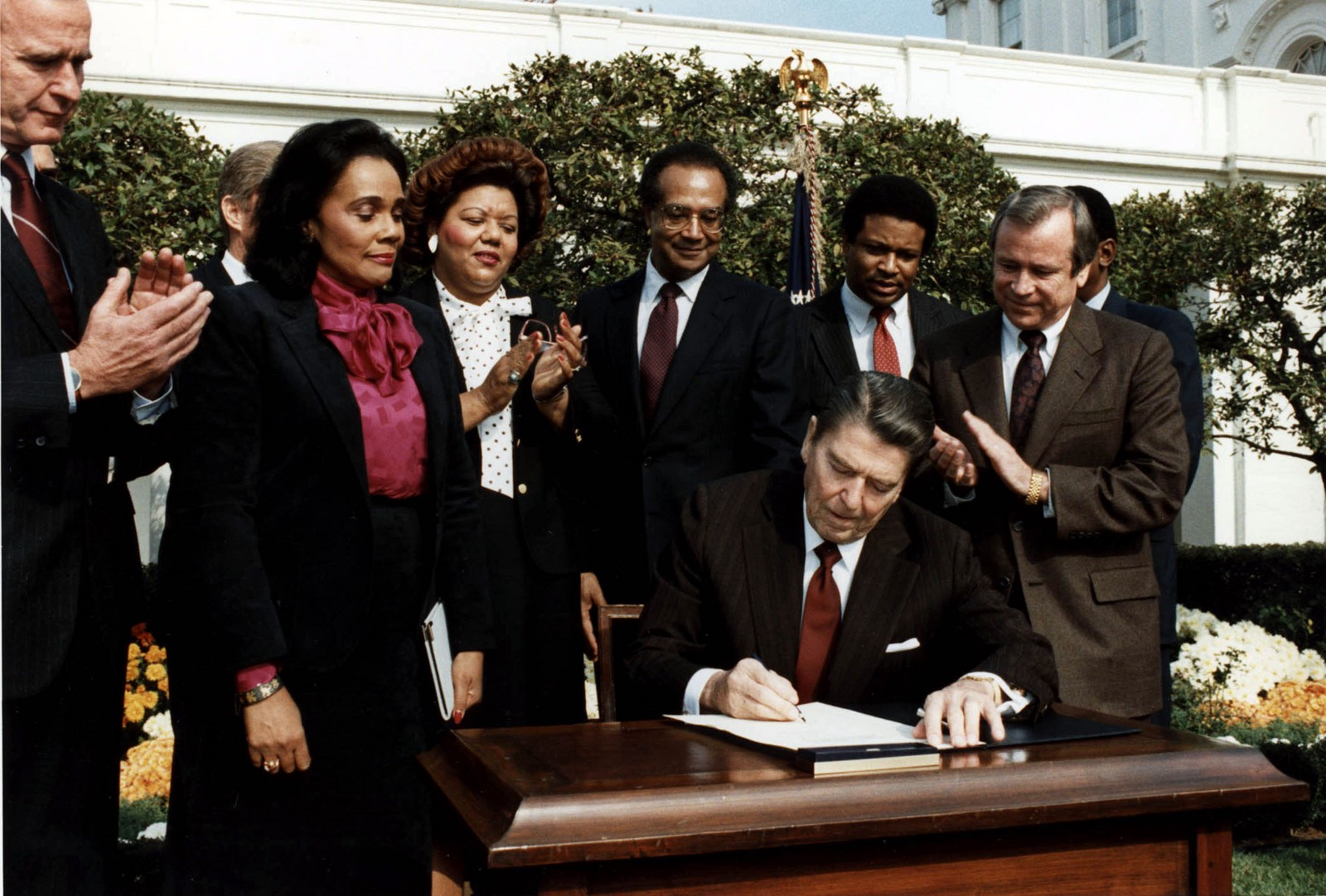 Coretta Scott attends the signing of Martin Luther King, Jr. Day by President Reagan on November 2, 1983 | President Obama presents the Medal of Freedom to ...