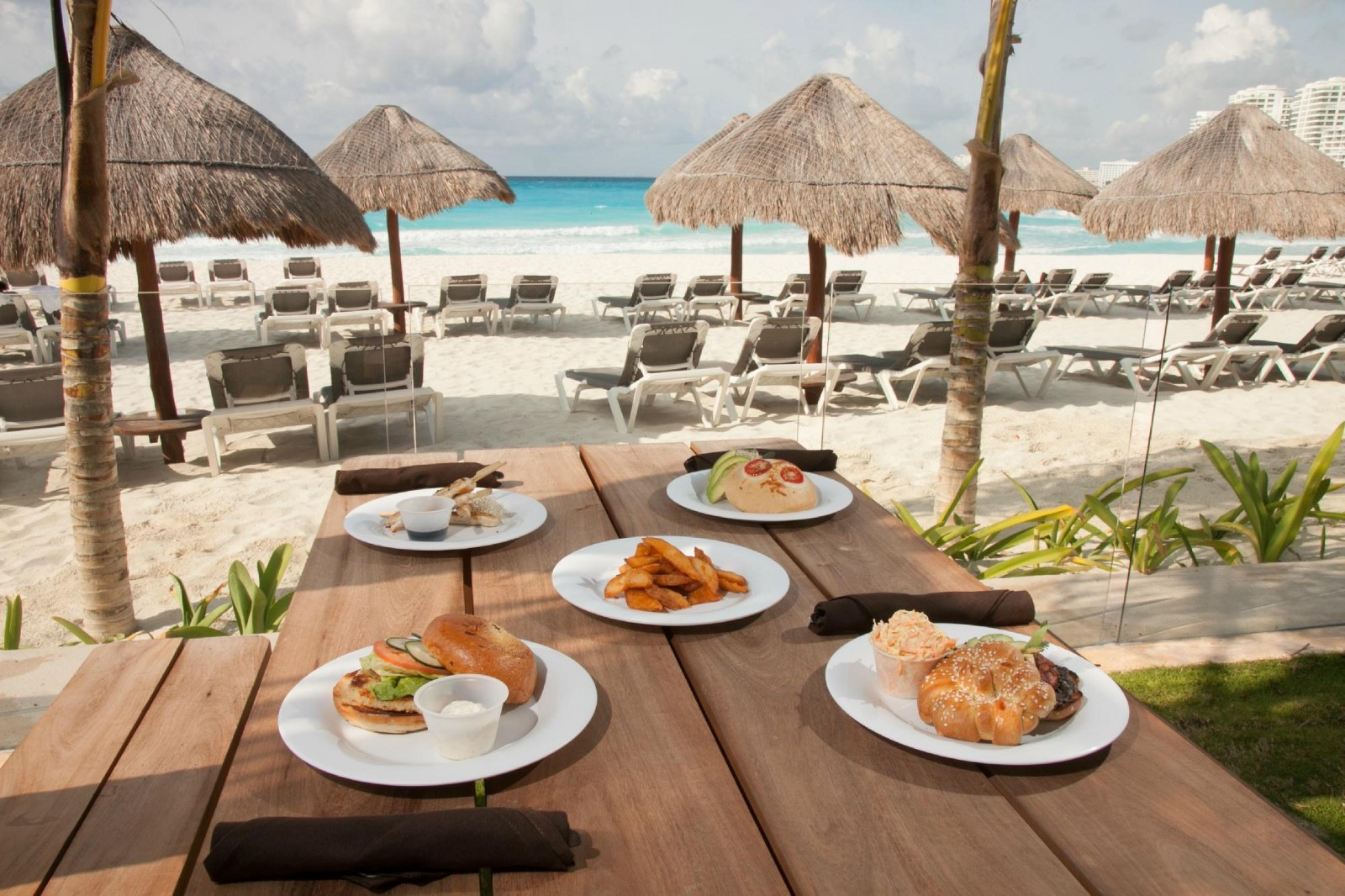 These Restaurants Are Known Either For Their Delicacies Affordable Prices Or A Beautiful Setting Visit Best Local In Cancun And Have
