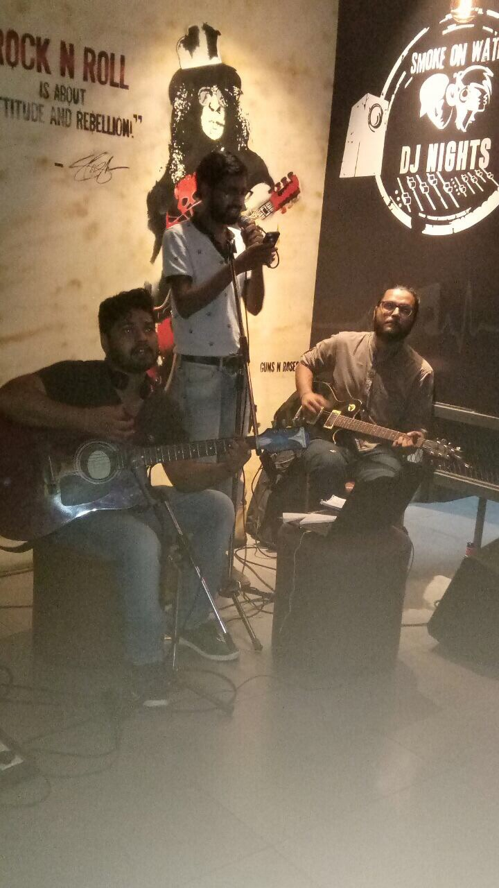 The Dark Chords Band Performed Live N Loud At Smoke On Water