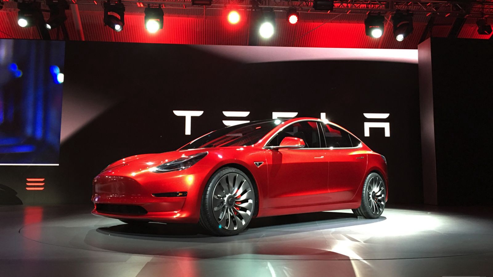 tesla motors 3 essay Case study-tesla motors posted at 09:50h in pro by admin  we take a number of measures to ensure top quality academic papers are written for you.