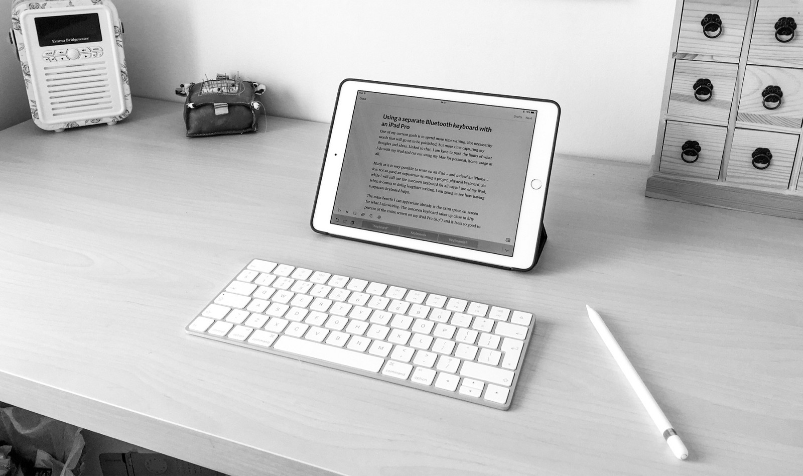 how i m using apple s magic keyboard with my ipad pro to write more. Black Bedroom Furniture Sets. Home Design Ideas