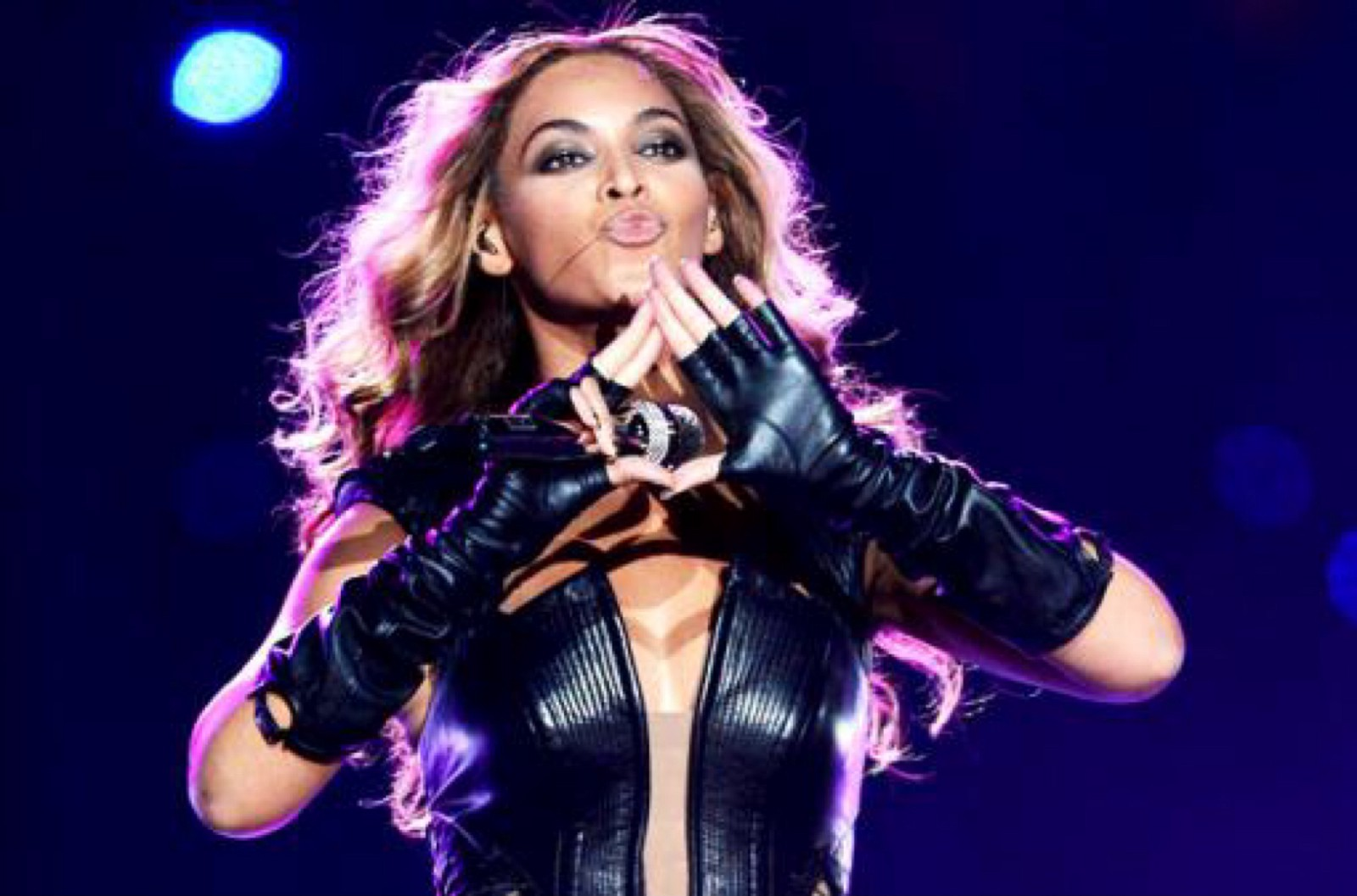 Celebrity conspiracy theories beyonc knowles cynthhia medium the triangle and its all seeing eye is a commonly cited symbol of illuminati believers but is also a sign that jay z uses to promote his record label buycottarizona Gallery