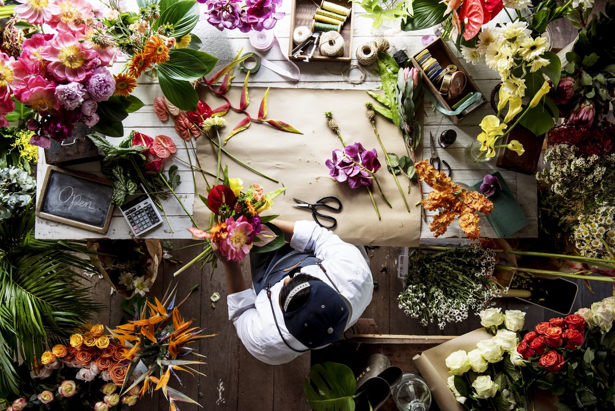 Online flowers in toronto dinial rebani medium it is important that you choose the right flower delivery service which provides you with high quality flowers on time and at low prices as well izmirmasajfo