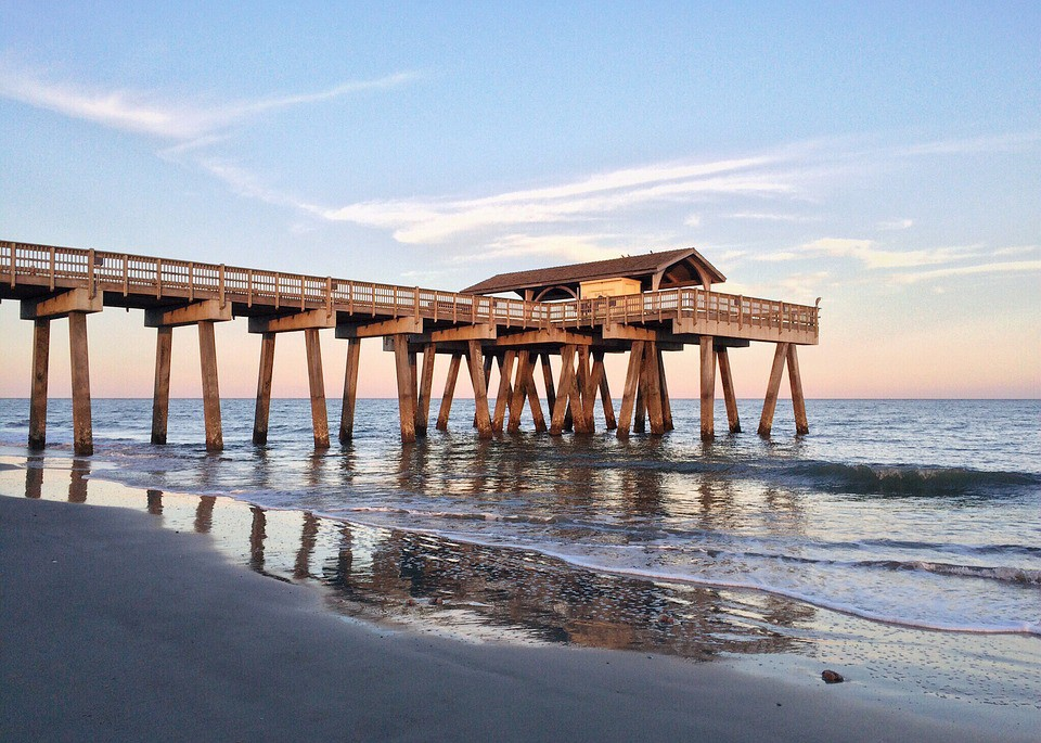 The ultimate tybee island entertainment guide pearlshare for Tybee island fishing pier