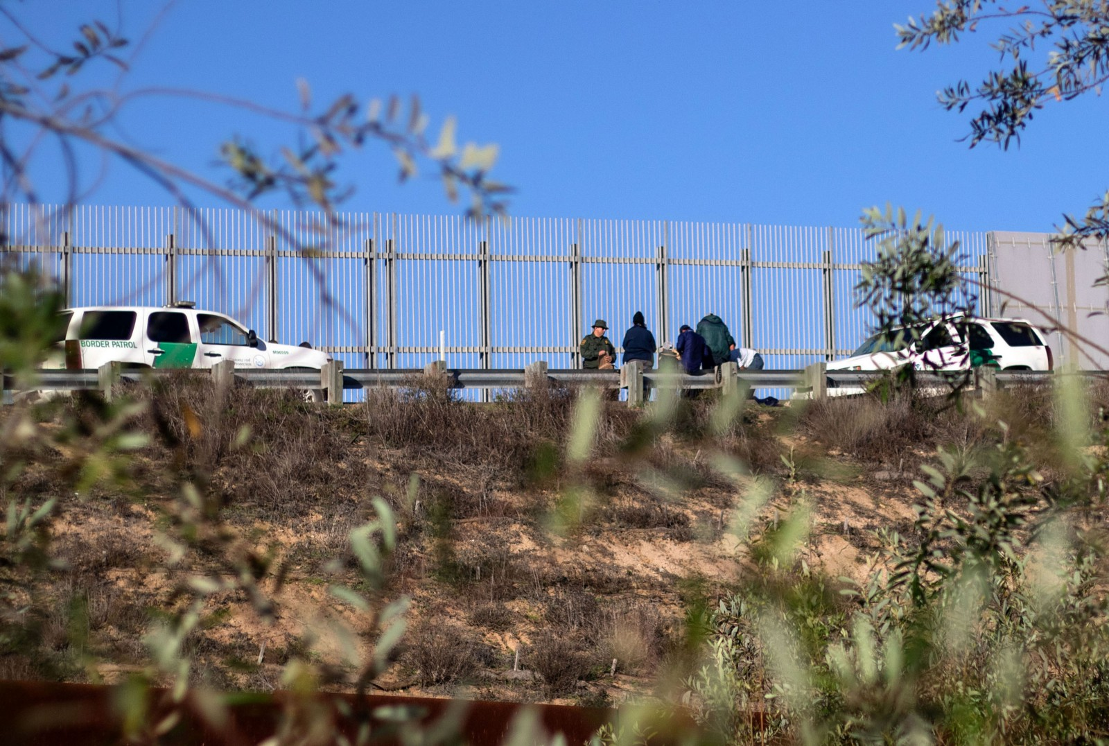 7 year old migrant girl taken into border patrol custody dies of dehydration exhaustion