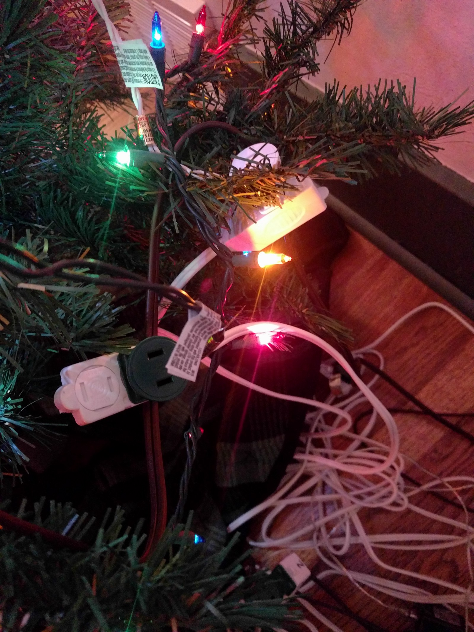 Raspberry Pi Christmas Tree Light Show Controlling Gpio Pins Over String Wiring Diagram On Lights Round Back Of The