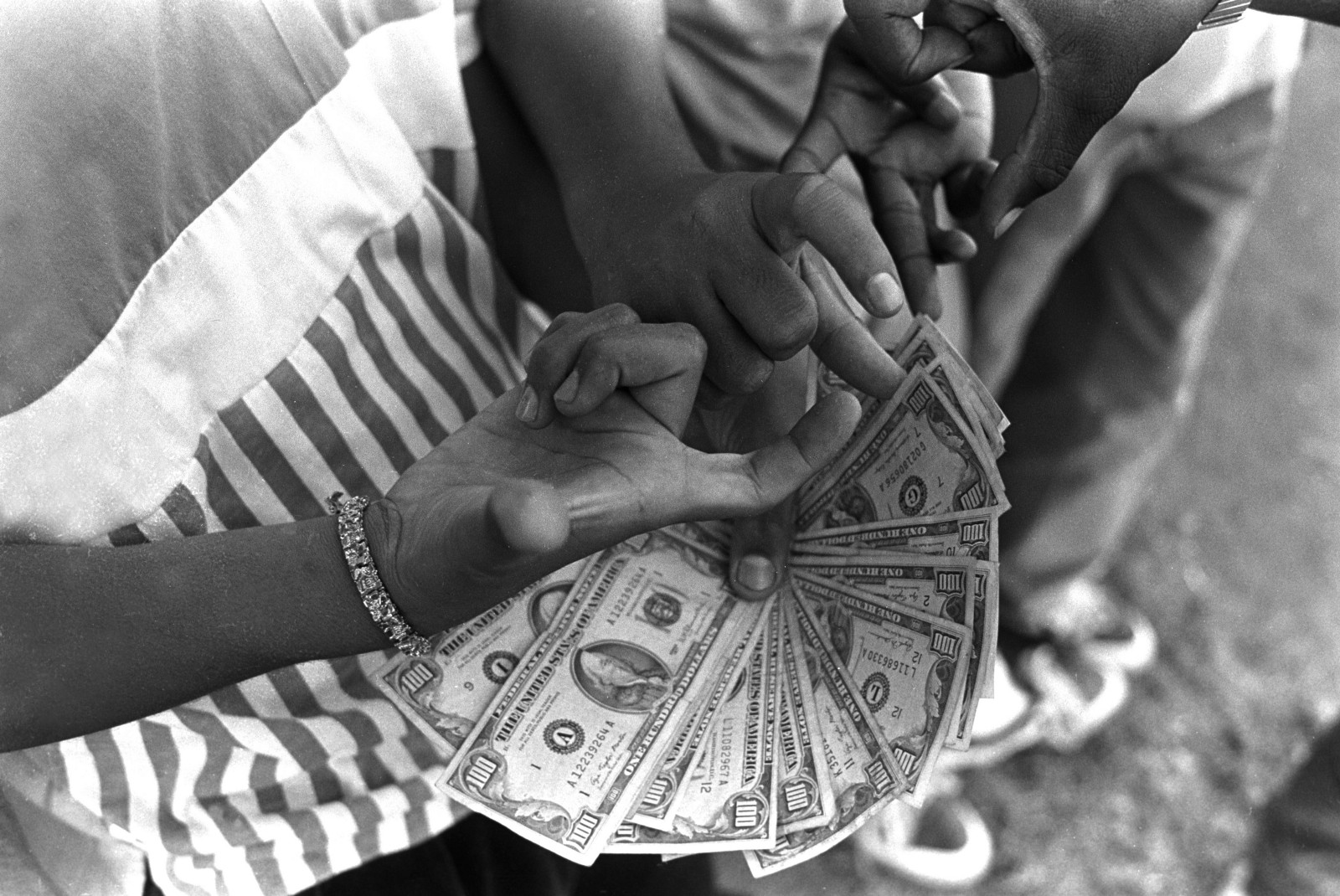 In the 1980s gang signs were the secret visual language of the members of the dodge city crips second street mob in san pedro california pose with a stack of crisp 100 bills in 1987 the gang sold crack cocaine in biocorpaavc